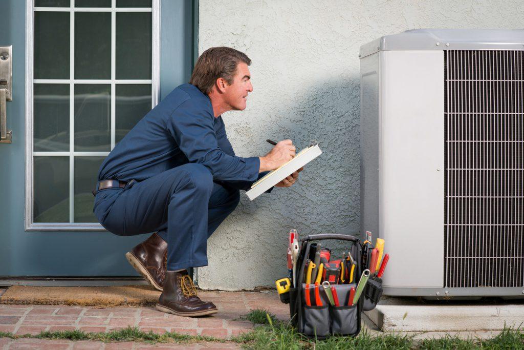 air-conditioning-repair-man